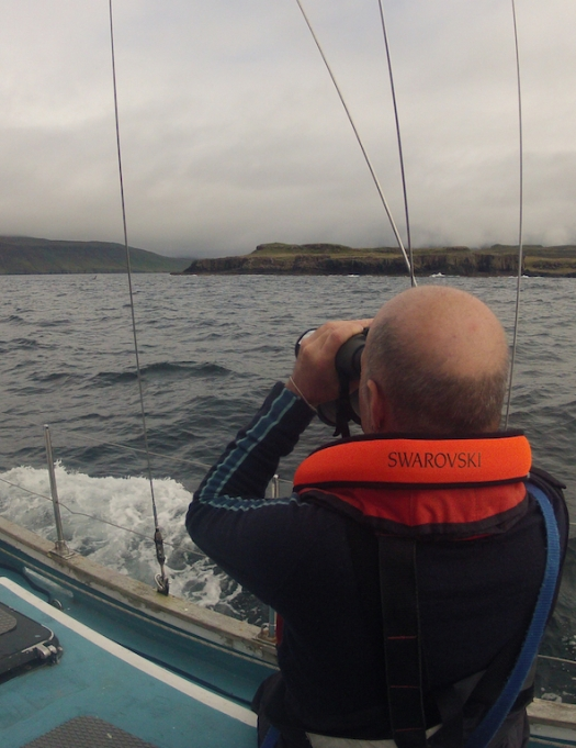 Spotting the orcas with Swarovski Optik binoculars