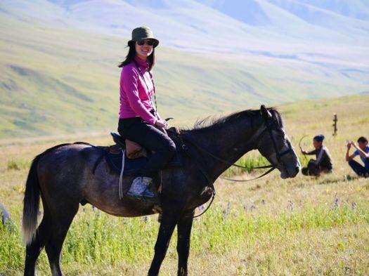 Jhong Wen on horse