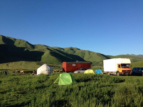 Stopping overnight by the herder's yurt