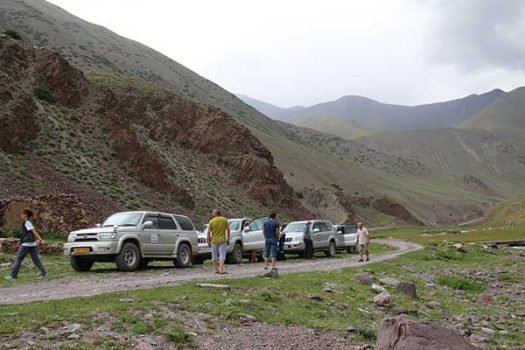 The convoy drive over the Karakol pass
